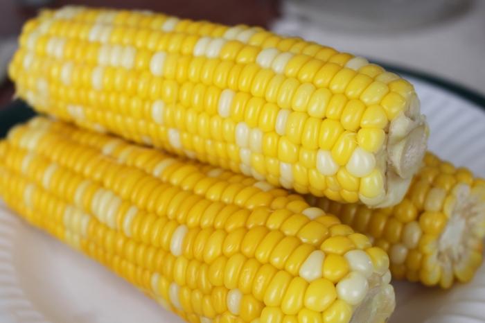 2014_08_05_2327 corn on the cob